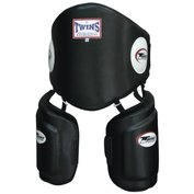 Twins low-kick & body protector